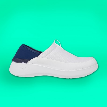 Feel Flex white sneakers
